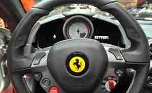 2013-ferrari-california-steering-wheel-photo-445624-s-1280x782