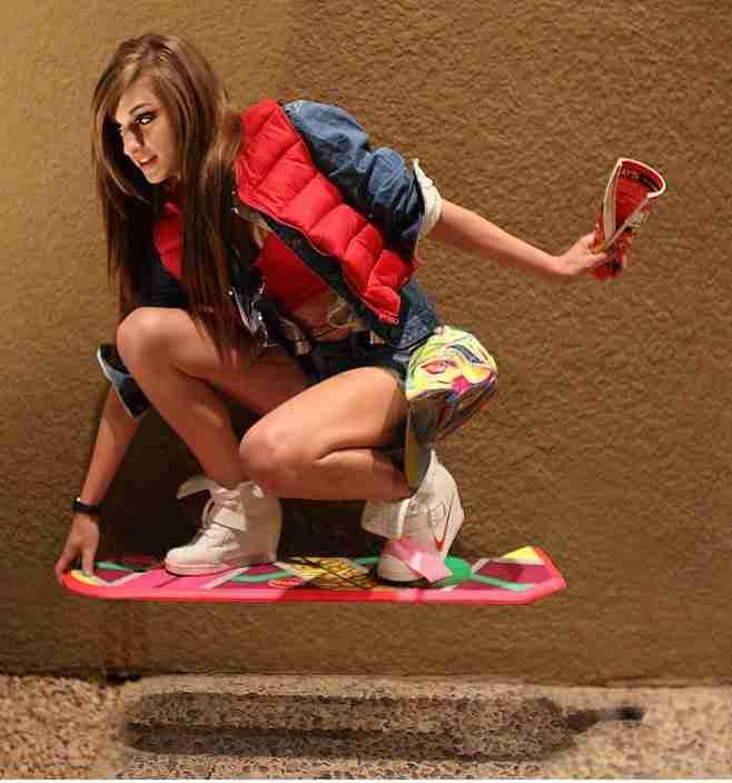 geleceğe_dönüş-back_to_the_future_day-hoverboard