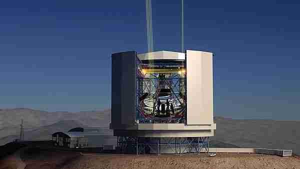 Dev magellan teleskopu 3