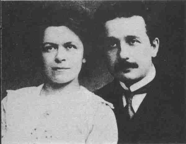 İlk eşi. görelilik teorisinin formüllerini kontrol etti.