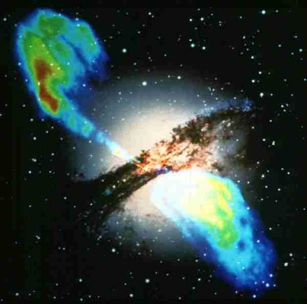Karanlık madde galaksilerin gazını çalarak yeni yıldızların doğmasını engelliyor.