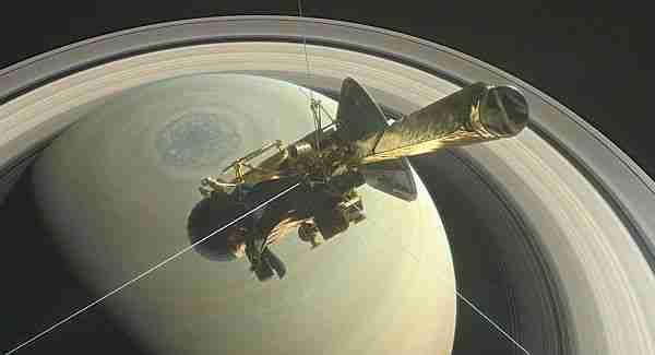 Cassini-Satürne-son-dalışını-yapıyor