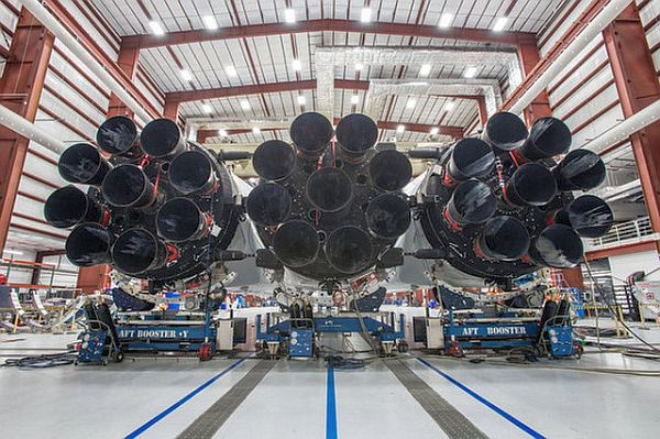 falcon_heavy-spacex-elon_musk-tesla_roadster