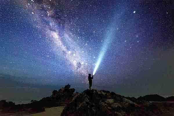 Karanlık-enerji-evreni-nasıl-genişletiyor?