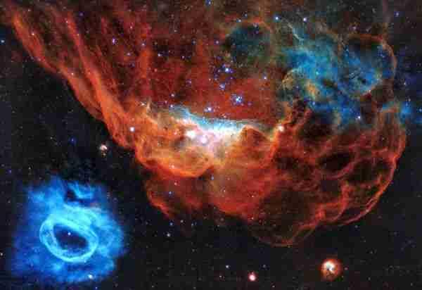 Karanlık-maddeyle-karanlık-enerji-aynı-şey-mi