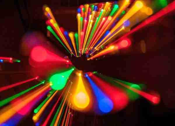 Kuantum-fiziğinde-doğru-bilinen-3-yanlış