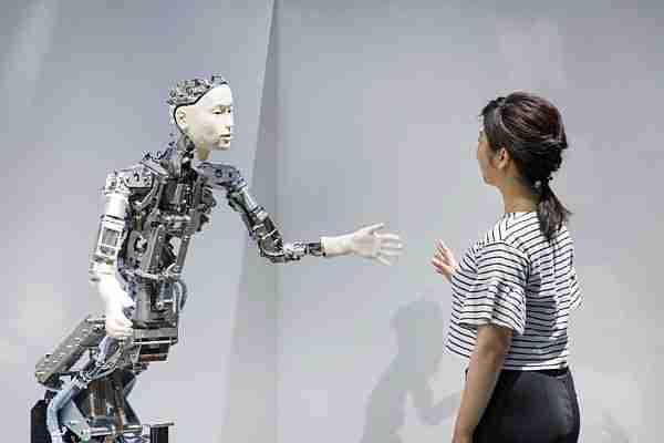 Robotlar kendi bilincimizi araştırmaktır.