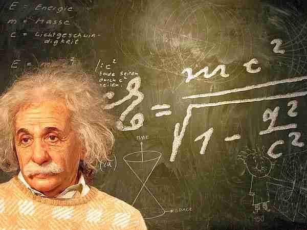 Matematik-nesneleri-gerçek-ve-fiziksel-mi